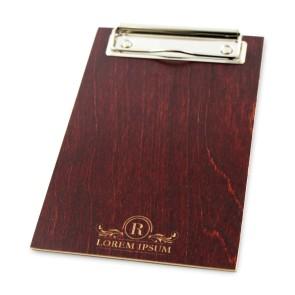 Drewniany clipboard A6+ z grawerem (mahoń)