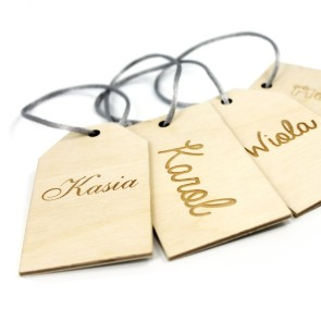 Drewniane bileciki na prezenty z grawerem (surowe)