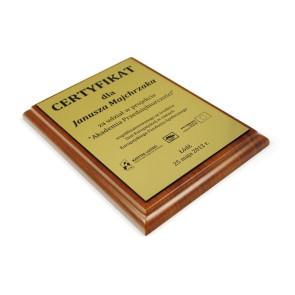 Dyplom na drewnianym podkładzie – 150x200 mm