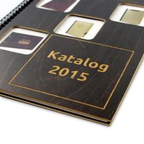 Katalog NoName w drewnianej okładce